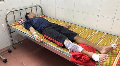Huy dong tho lan Da Nang tim thuyen vien tau VTB 26 mat tich o Hon Ngu - Anh 2