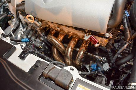 Ngam sedan gia dinh Toyota Vios hoa than thanh xe dua - Anh 10