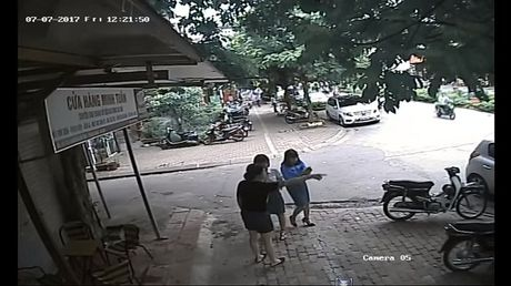 Quan Thanh Xuan: Xu ly viec do xe sai quy dinh o pho Nguyen Quy Duc - Anh 1