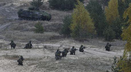 'NATO vay Nga con du hon Hitler, Putin nhu nhu vo si judo dang xuong tan' - Anh 1