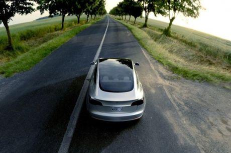Tat ca nhung gi ban can biet ve chiec xe dien Tesla Model 3 - Anh 1