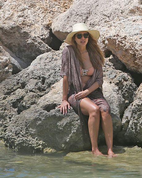 Jessica Alba mang bau con thu ba - Anh 2