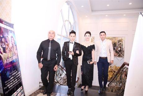 Ca si Nguyen Vu tiep tuc ngoi ghe nong chuong trinh Fitness Model mua thu 2 - Anh 1