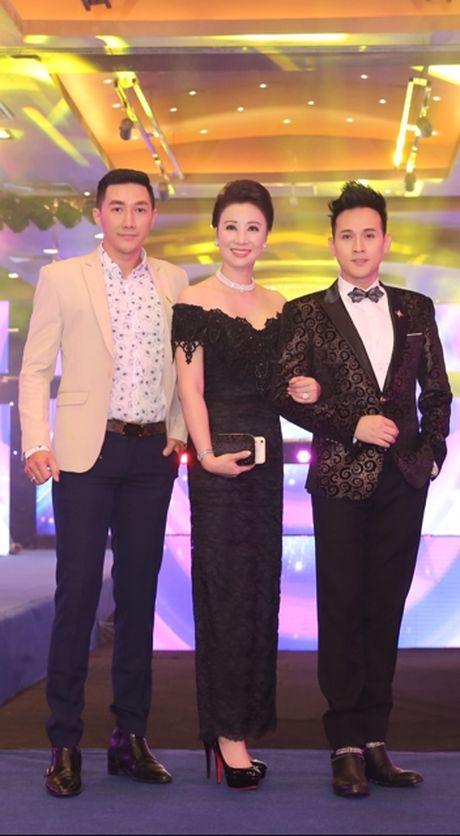 Ca si Nguyen Vu tiep tuc ngoi ghe nong chuong trinh Fitness Model mua thu 2 - Anh 7
