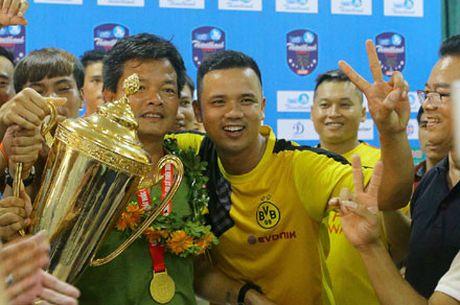 Bong da Nam Dinh quay lai voi V.League sau 7 nam: Su song nay sinh tu 'dat chet' - Anh 1