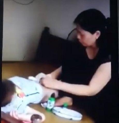 Hang loat tre bi sui mao ga nghi do cat bao quy dau: Chu phong kham tu hanh nghe 'chui' - Anh 4