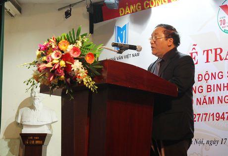 Hon 40 tac pham van hoc de tai Thuong binh liet si va nguoi co cong duoc trao giai - Anh 3