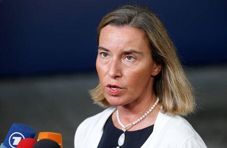 Chia re tinh hoa khong ngan EU quyet manh tay ve Trieu Tien - Anh 1