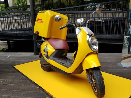 DHL chua hop tac cung Giao Hang Nhanh van chuyen noi dia - Anh 1