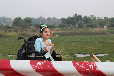 9X khuyet tat miet mai tren xe lan nuoi uoc mo tro thanh dien gia - Anh 10