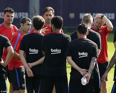 Messi tro lai tap luyen chuan bi cho tran doi no Juve - Anh 10