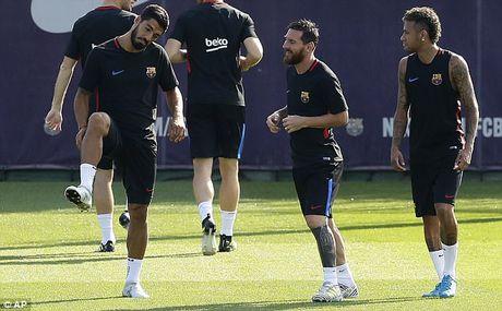 Messi tro lai tap luyen chuan bi cho tran doi no Juve - Anh 2