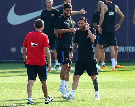 Messi tro lai tap luyen chuan bi cho tran doi no Juve - Anh 5