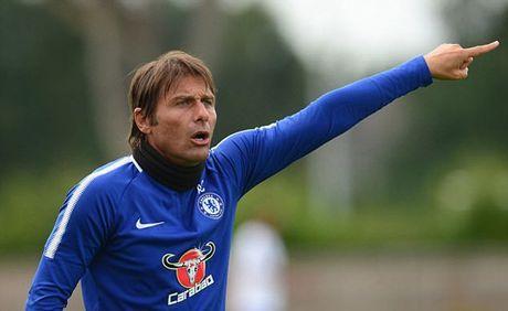 Conte bat luc truoc dam kieu binh, Chelsea ban loan - Anh 1