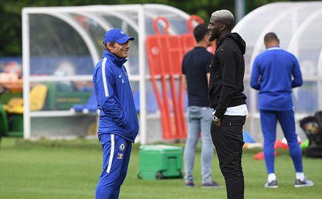 Conte bat luc truoc dam kieu binh, Chelsea ban loan - Anh 3
