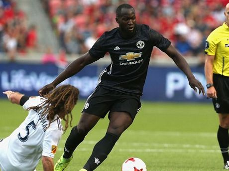 Real Salt Lake 1-2 Man United: Lukaku chinh thuc mo tai khoan ban thang o M.U - Anh 1