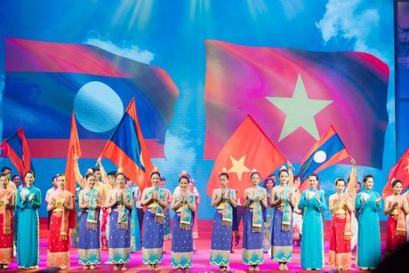 Chum anh: Le ky niem 55 nam quan he Viet Nam - Lao - Anh 14