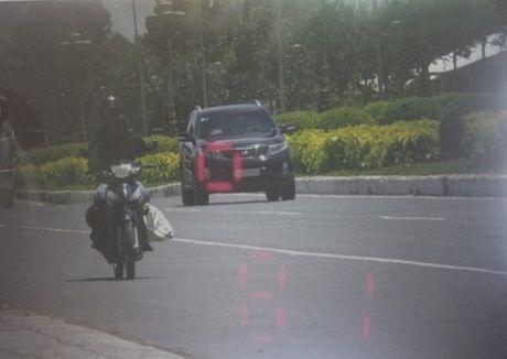 Cong an Can Tho phu nhan tin ky luat CSGT dung xe trung tuong - Anh 1