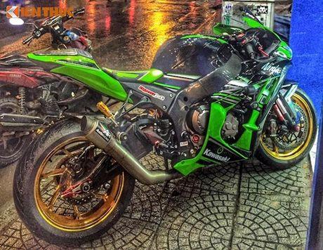 Dan choi Sai Gon chi 200 trieu do sieu moto Kawasaki ZX-10R - Anh 6