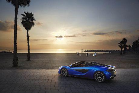 Ve dep thuc te sieu xe mui tran McLaren 570S Spider - Anh 12