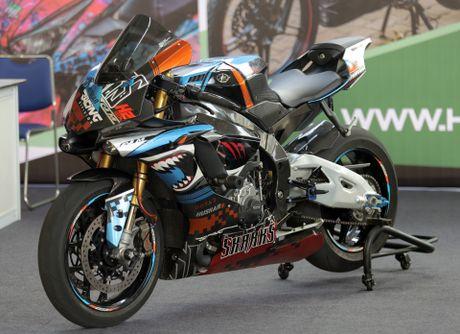 Sieu moto Yamaha R1M do tem ca map o Sai Gon - Anh 1