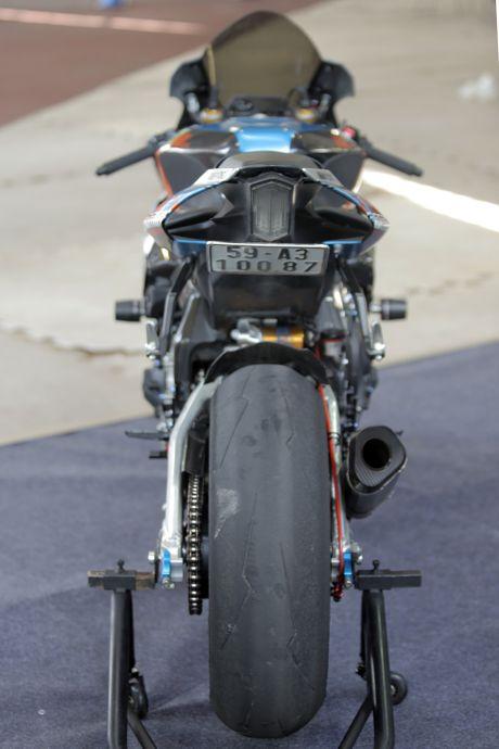 Sieu moto Yamaha R1M do tem ca map o Sai Gon - Anh 3