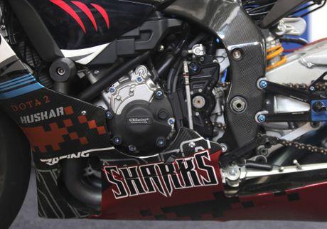 Sieu moto Yamaha R1M do tem ca map o Sai Gon - Anh 6
