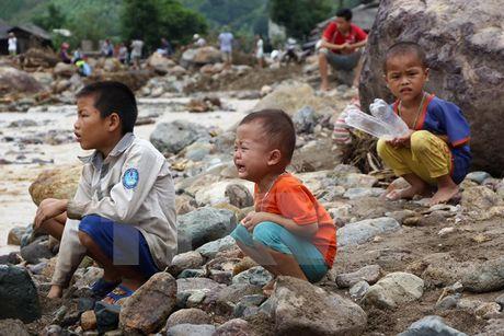 Son La: Chung tay khac phuc thiet hai do mua lu o Muong La - Anh 1