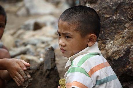 Son La: Chung tay khac phuc thiet hai do mua lu o Muong La - Anh 2