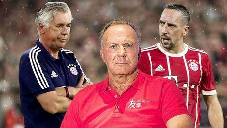 Bayern bi dat trong tinh trang bao dong sau mua He that vong - Anh 1