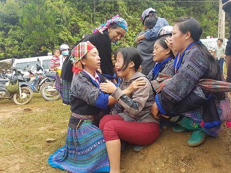 Lu quet o Mu Cang Chai: Con gai nga quy khi nhin thay thi the cha - Anh 2