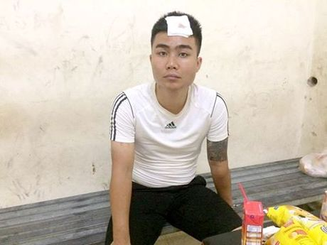 Lo dien thanh nien 'ho bao' dung gay danh golf danh CSGT - Anh 1