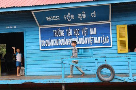Can canh: Nhung 'Viet kieu' ngheo ben kia Bien Ho - Anh 4