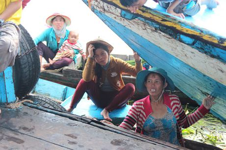 Can canh: Nhung 'Viet kieu' ngheo ben kia Bien Ho - Anh 7