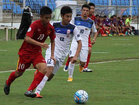 HLV Hoang Anh Tuan trieu tap 26 cau thu cho giai U18 DNA 2017 - Anh 1
