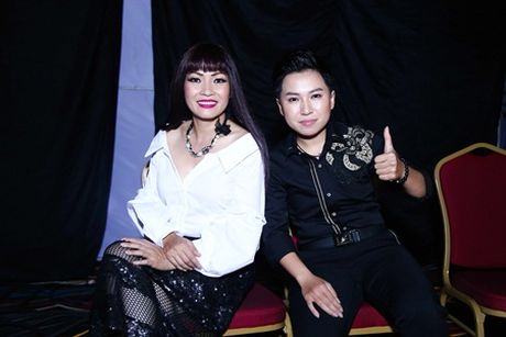 My Tien bat ngo hoi ngo Y Lan, Phuong Thanh tren 'ghe nong' - Anh 1