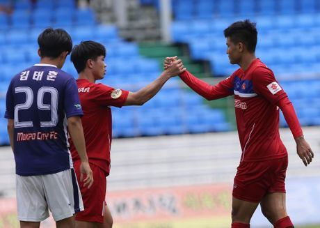 Vi sao U23 Viet Nam da giao huu giua trua? - Anh 1