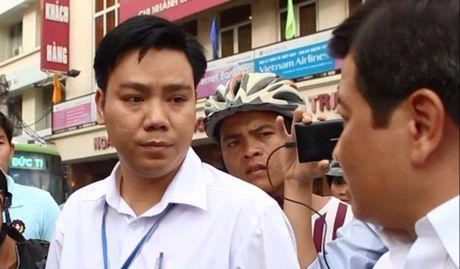 Lap Hoi dong ky luat Pho Chu tich UBND phuong mat lien lac nhieu ngay - Anh 1