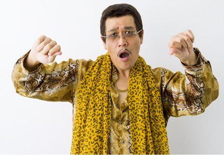 Chu nhan ban hit 'Pen Pineapple Apple Pen' ket hon voi nguoi mau ao tam kem 15 tuoi - Anh 3