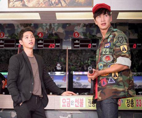 Song Joong Ki 'hat hui' Lee Kwang Soo, yeu cau ong ban than it goi dien thoai - Anh 1