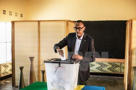 Ong P.Kagame chien thang ap dao trong bau cu tong thong Rwanda - Anh 1