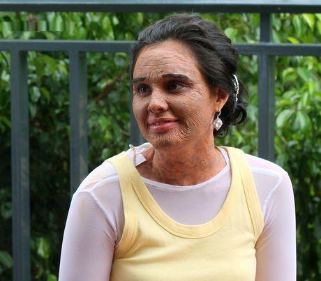 Cai gia cua viec danh doi nhan sac trong phim Philippines - Anh 1