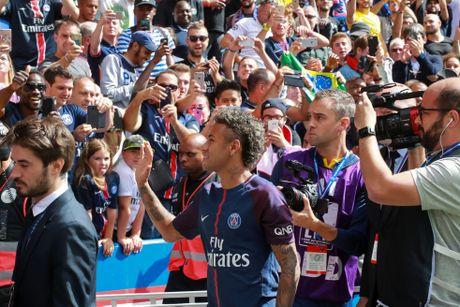 Buoi le ra mat hoanh trang cua Neymar tai Parc des Princes - Anh 2