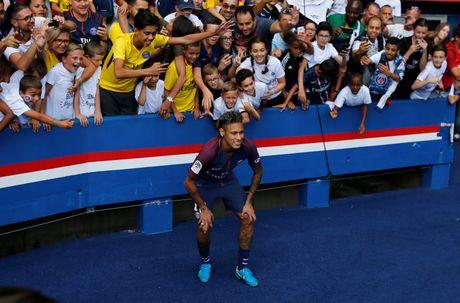 Buoi le ra mat hoanh trang cua Neymar tai Parc des Princes - Anh 4