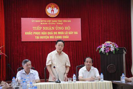 Khao sat va ho tro nhan dan vung lu Yen Bai, Son La - Anh 1