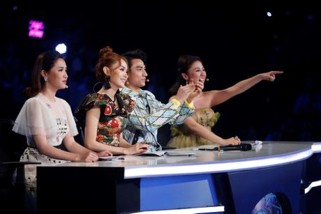Vietnam Idol Kids: Isaac 'noi da ga' vi giong hat cua Thien Khoi - Anh 1