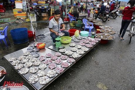 Kham pha khu cho doc nhat tai Sai Gon: Nguoi mua chang lo tra gia, chang mang can thieu, du - Anh 13
