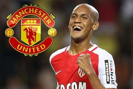 CHUYEN NHUONG (7.8): M.U dat thoa thuan mua sao Monaco, Sanchez 'tra dua' Arsenal - Anh 1