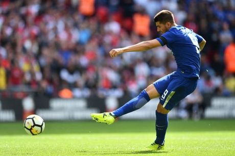 Morata qua te, fan Chelsea xin Conte lam lanh voi Costa - Anh 1