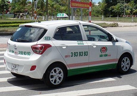 Mot tai xe taxi o Da Nang 'chat chem' du khach Han Quoc - Anh 1